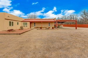 UPDATED COUNTRY HOME WITH IN-LAW APARTMENT, RV SHADE, SHOPS
