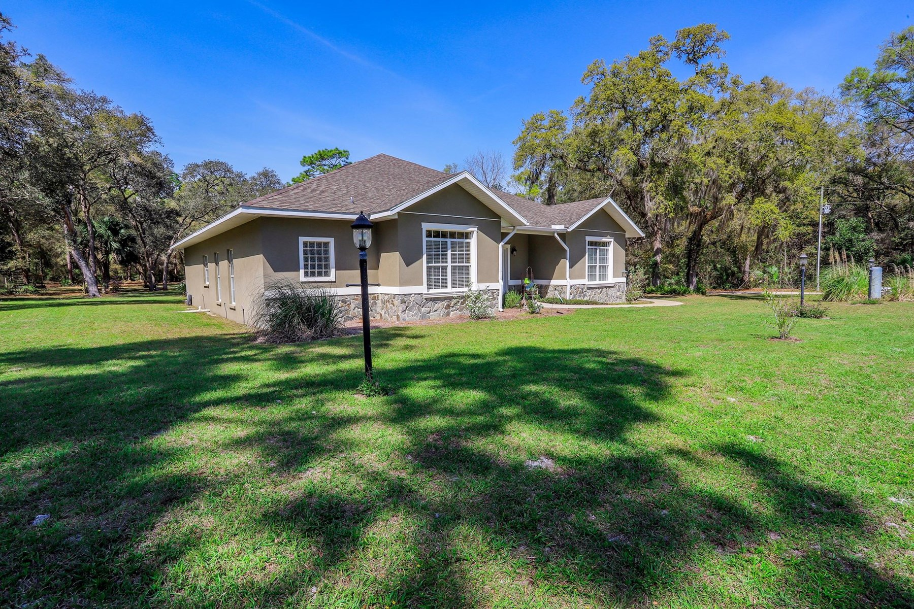 4BR HOME WITH POOL - Chiefland, Levy County, Florida