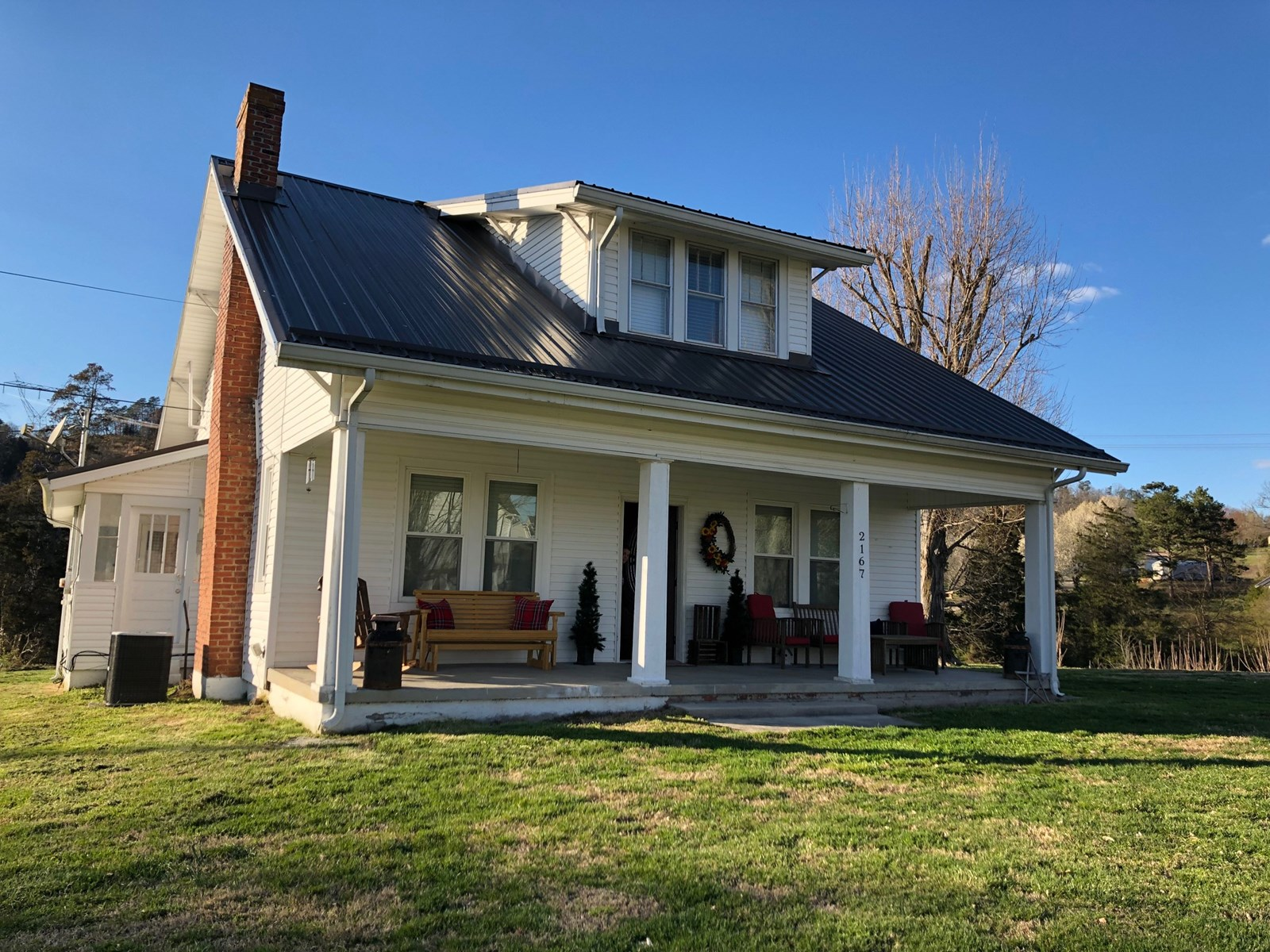 Gorgeous, Craftsman Style Home in Russellville, TN