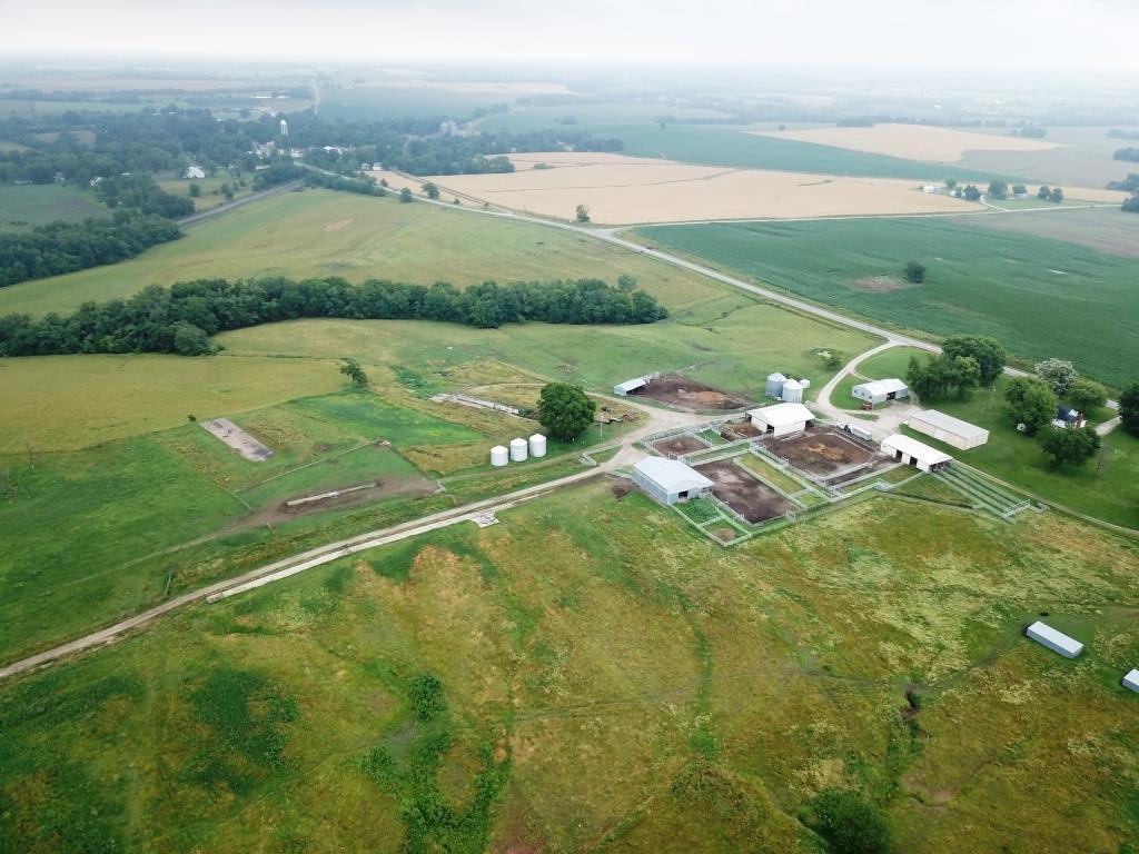 Livestock Grazing Land Ranch Near Armstrong Mo