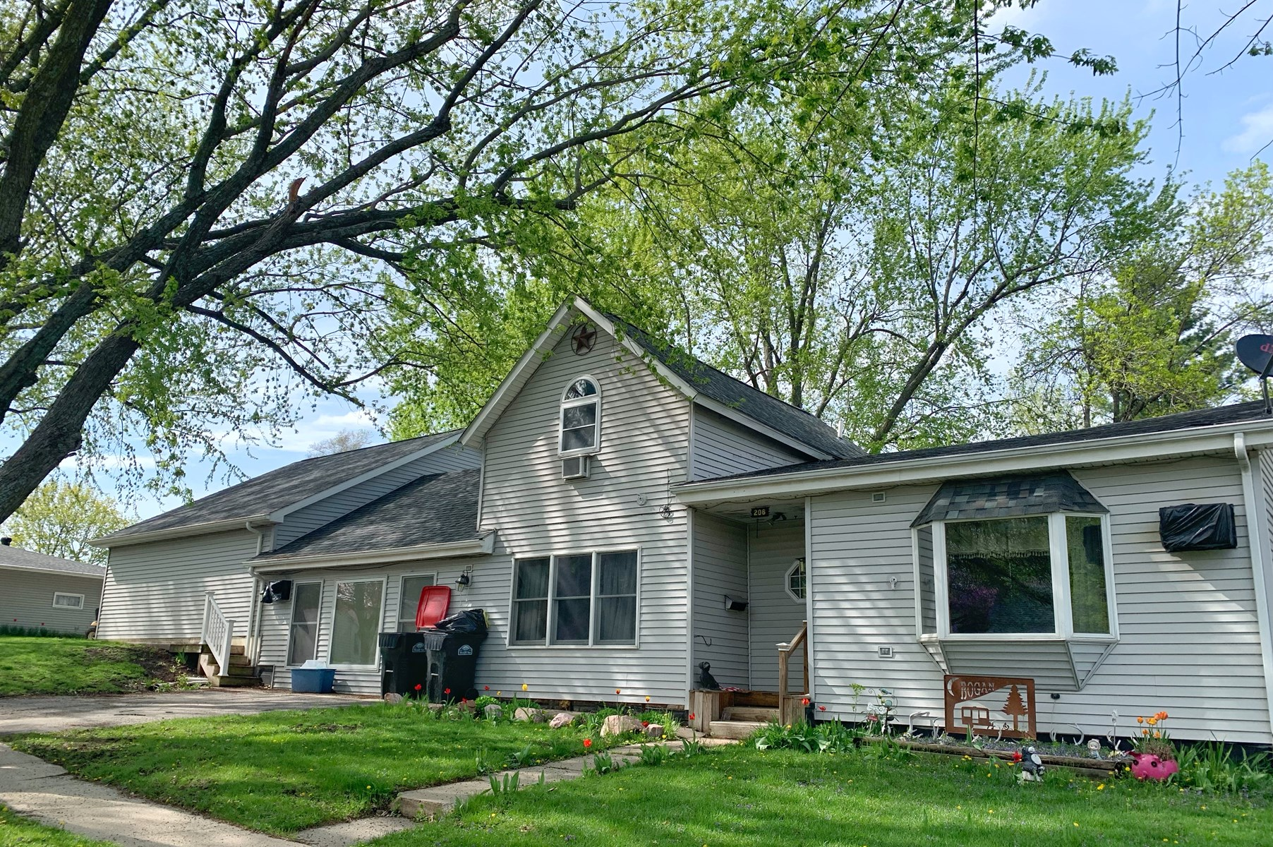 Home For Sale in Mount Ayr Iowa (Southern Iowa)