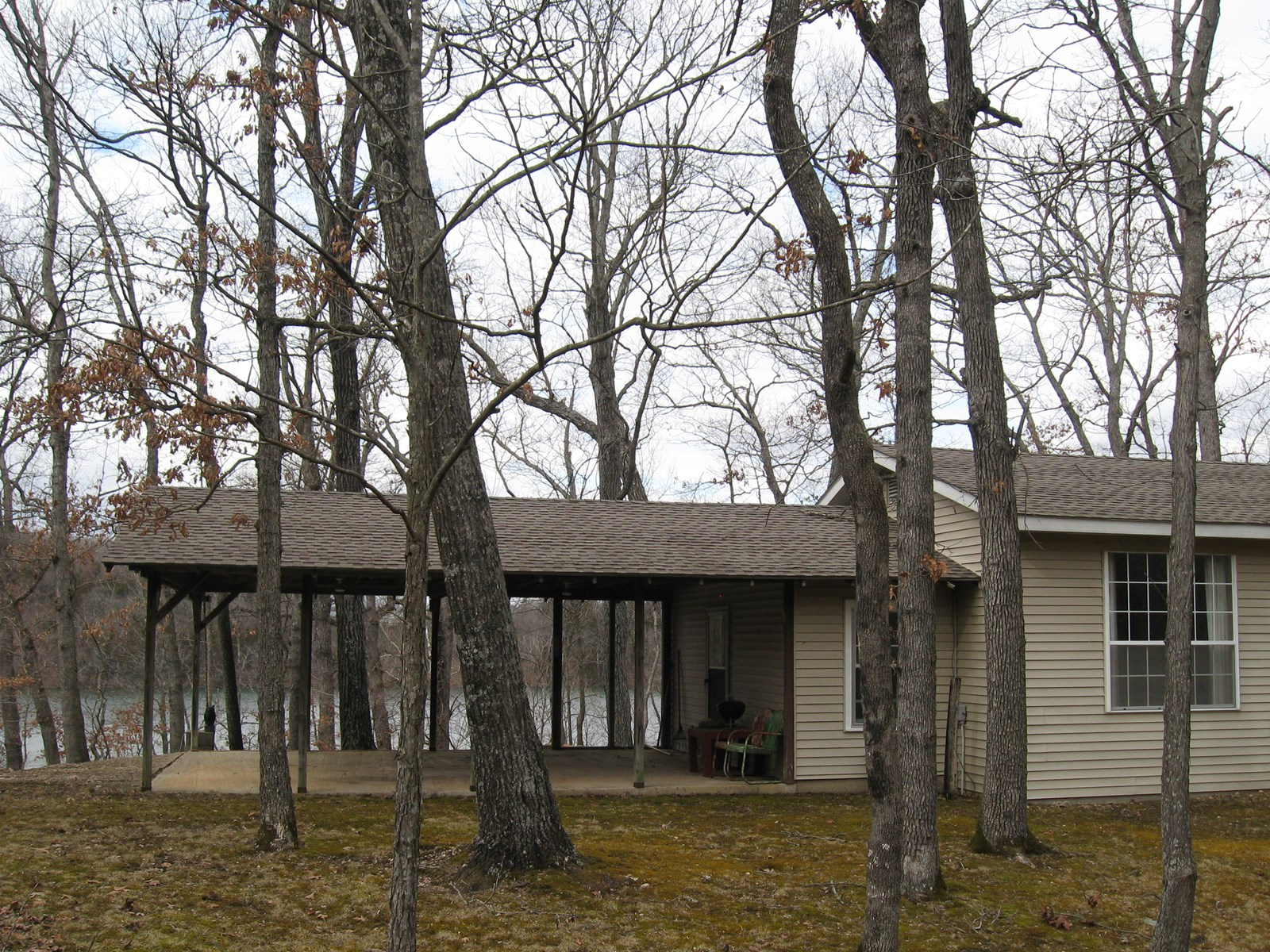 2 Homes, 1 Mile of Lake/ Riverfront. Hunting,Fishing, Hiking