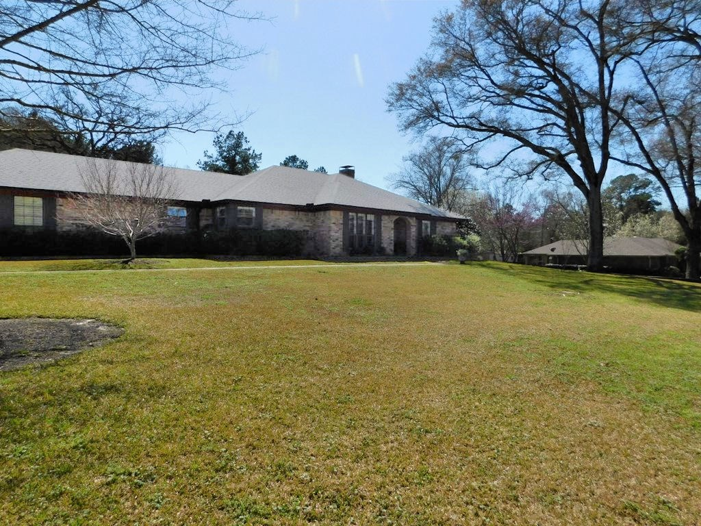HOME FOR SALE PALESTINE TEXAS 3 BEDROOM 2 BATH WOODATE SUBD