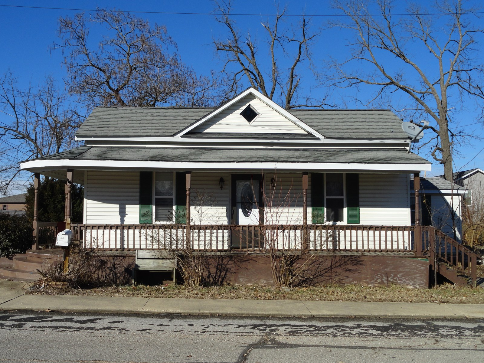 Single story project home in Salem, Missouri!