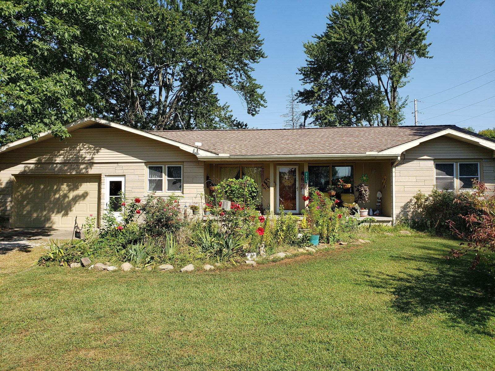 Well Maintained, 3 Bedroom, 2 Bath Home, Close to Town