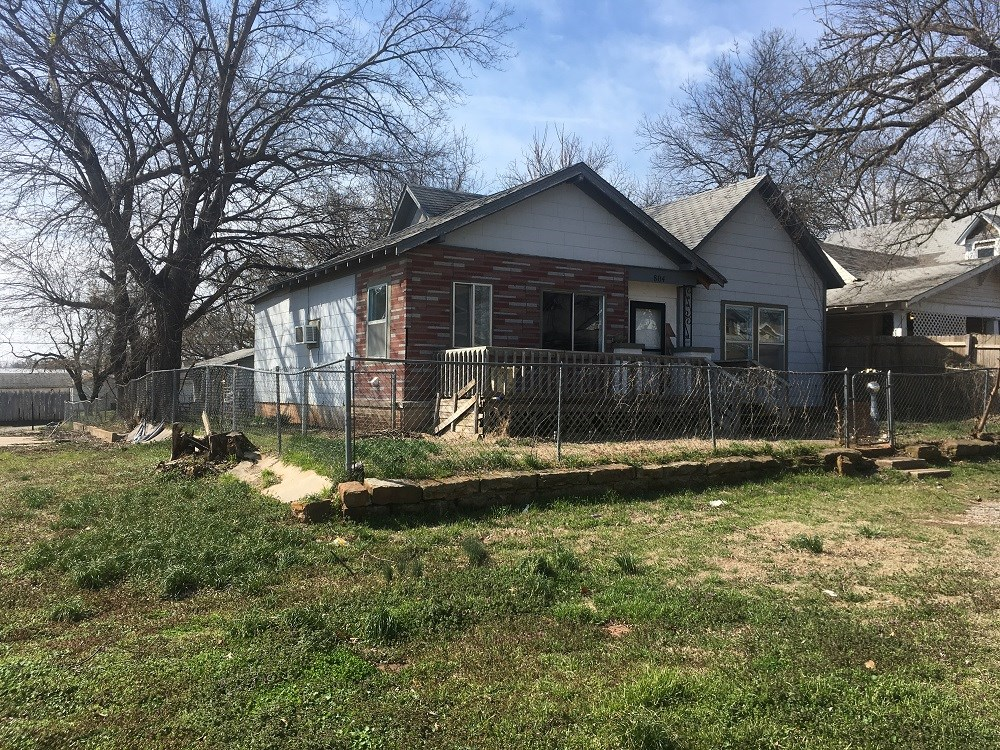 Historical Older Home For Sale in Perry, Oklahoma
