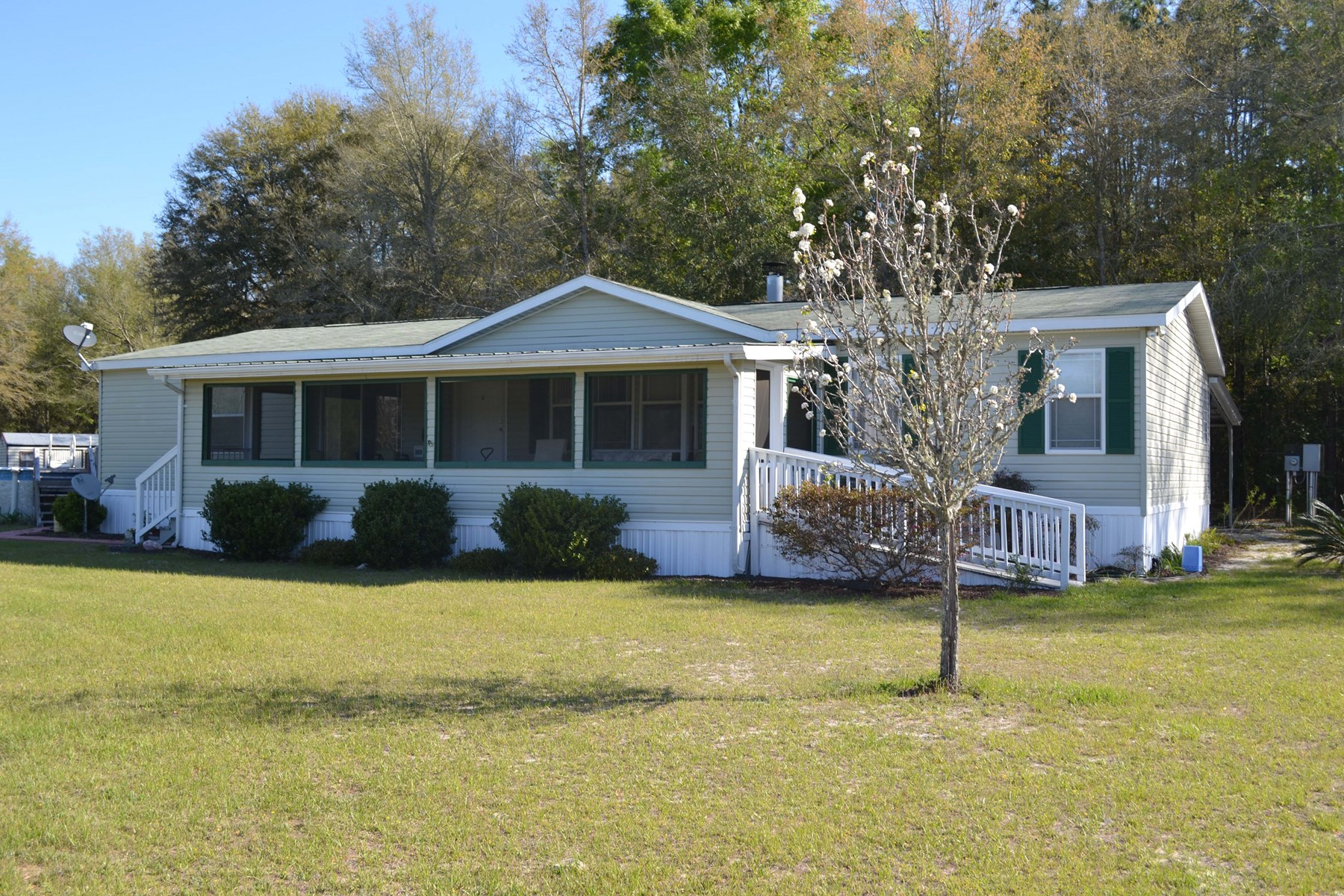 10 GORGEOUS ACRES WITH MOBILE HOME FOR SALE!