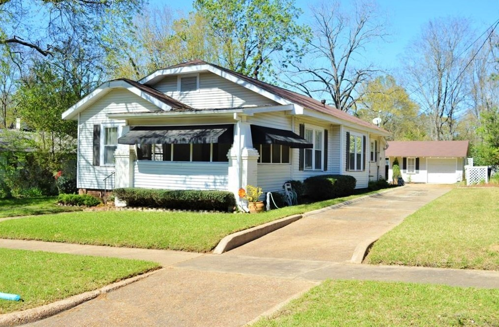 3 Bed, 2 Bath Home for Sale in Town, McComb, MS
