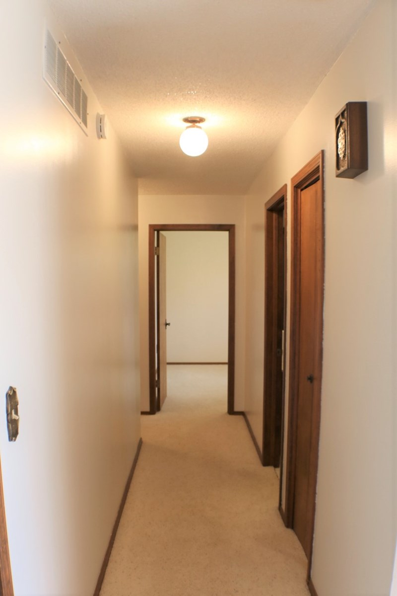 hallway going to bedrooms