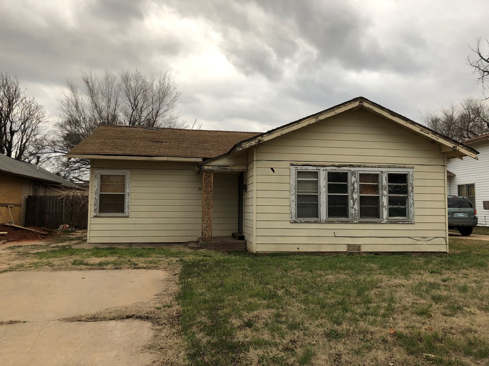HOME FOR SALE IN ELK CITY - INVESTMENT PROPERTY