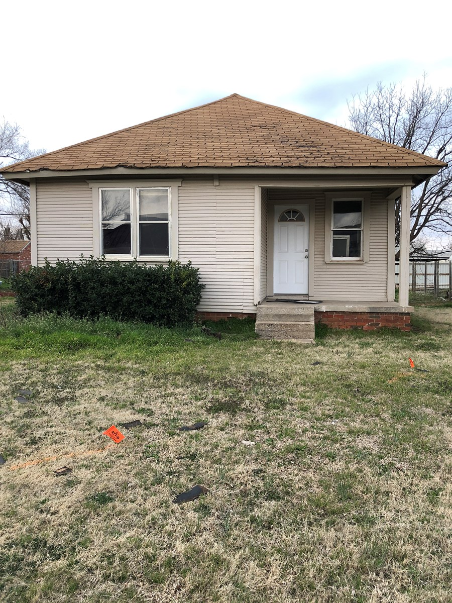 3 BEDROOM HOME FOR SALE IN ELK CITY - INVESTMENT PROPERTY