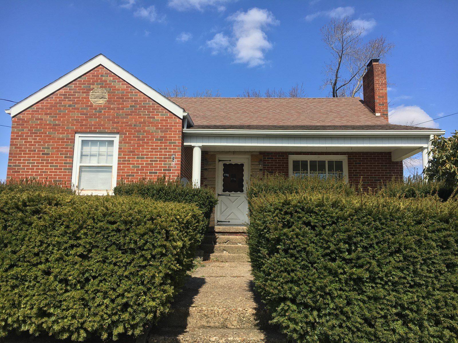 Woodsfield OH Brick Ranch home on Basement