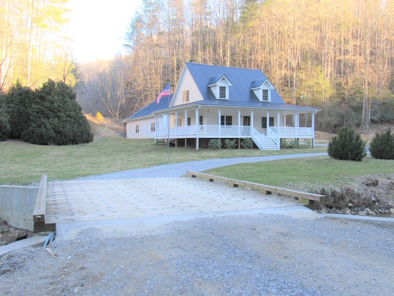 Gorgeous Mountain Home with Creek Frontage!