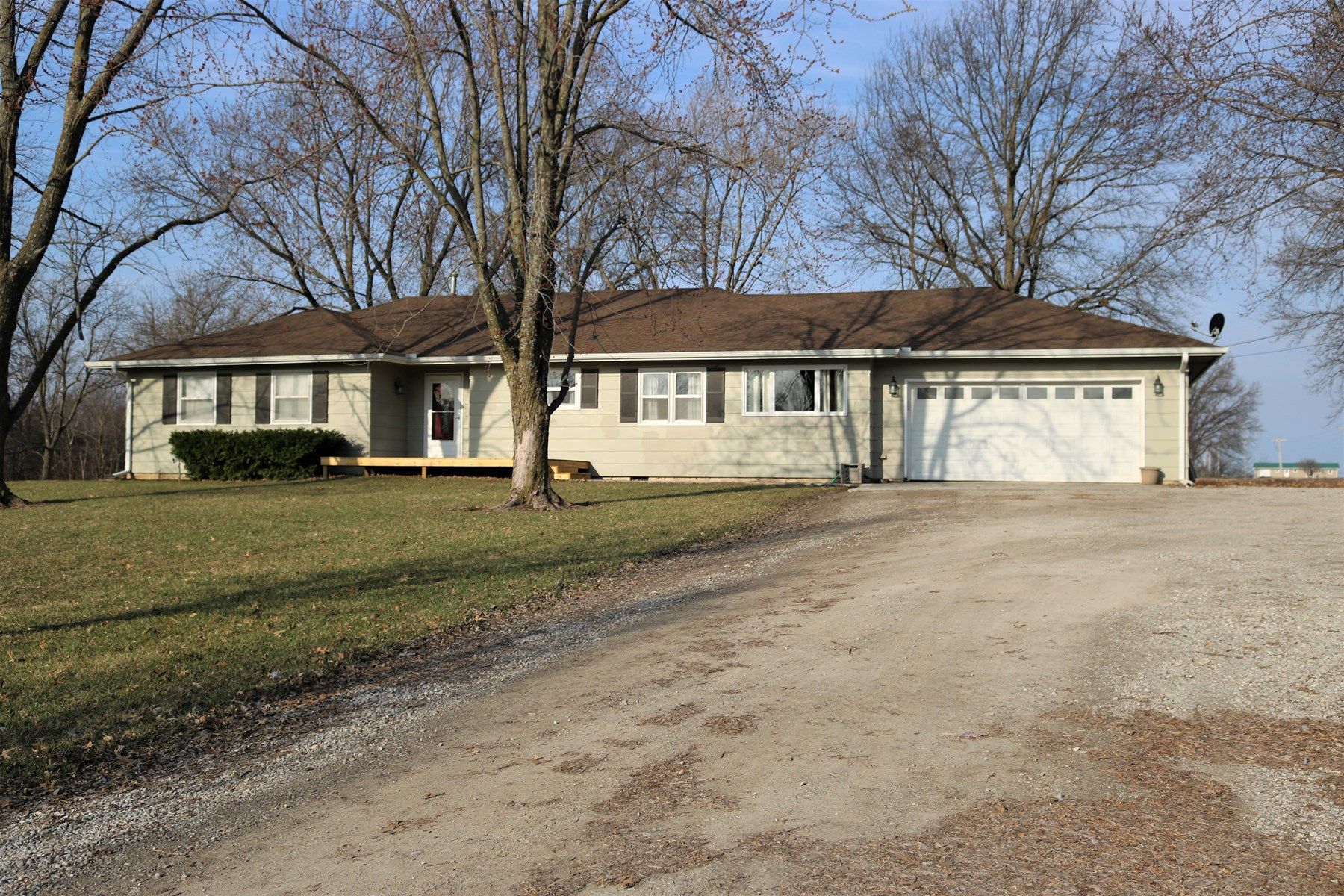 Country Home For Sale Just Outside Of Town!