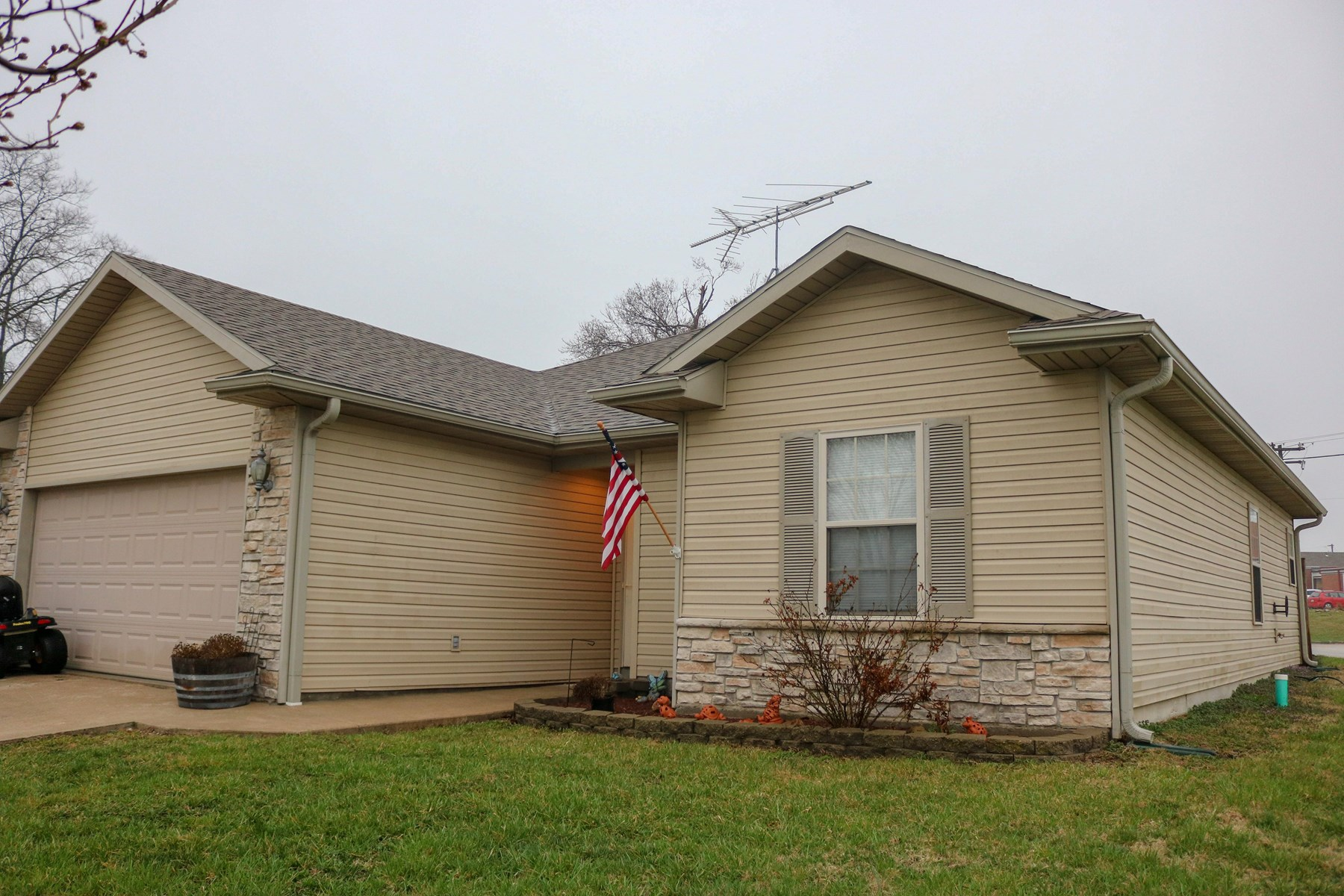 3 BD, 2 BA in Prairie Home