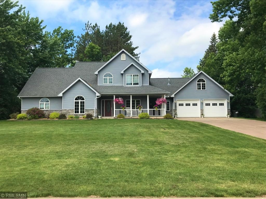 Home for Sale in Town with Large Yard, Attached Garage, MN