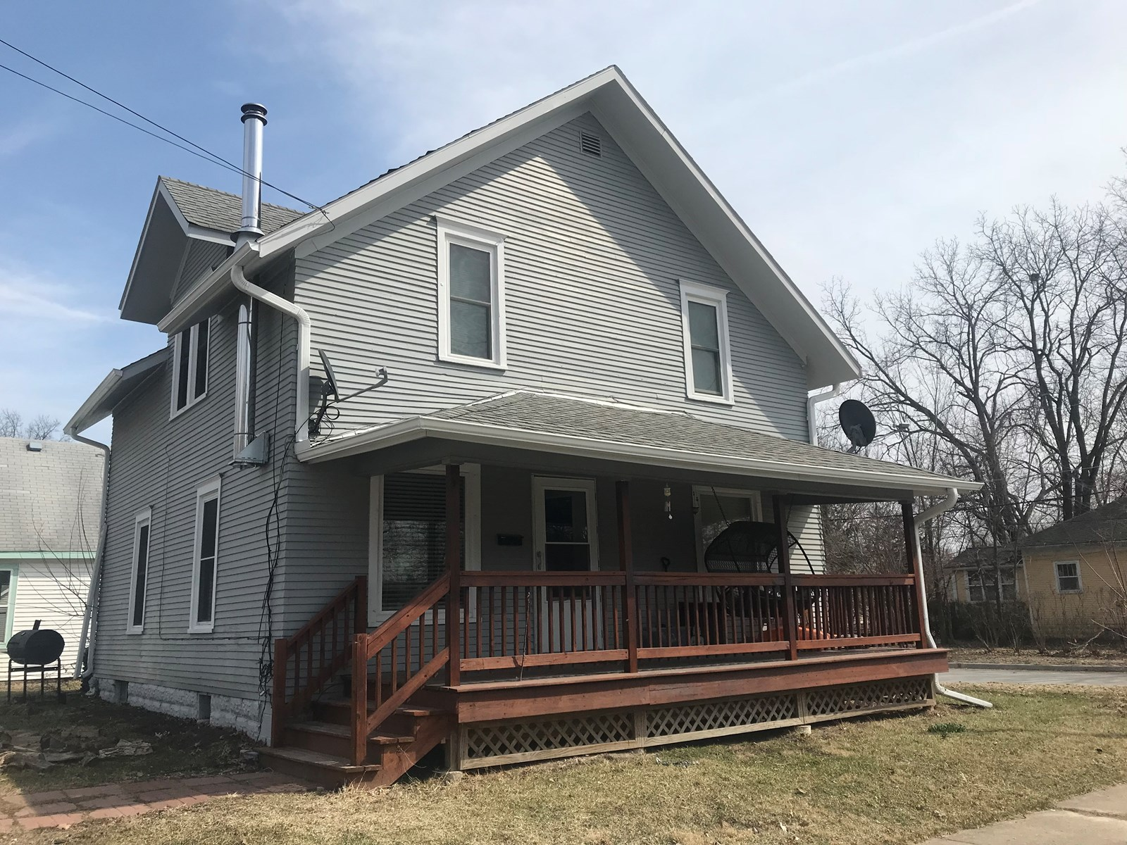 Nice 1 1/2 Story Home on Corner Lot in Fairfield IA