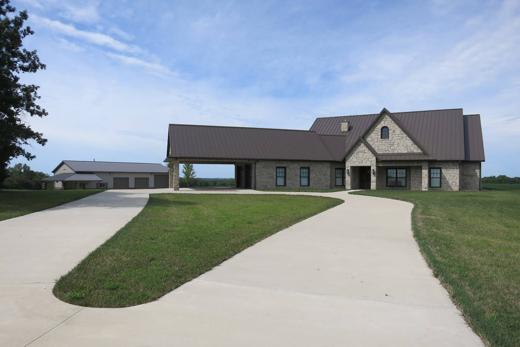 370 Acre Dream Hunting Property & Beautiful Home in NW MO