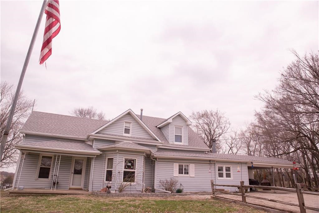 Large home Sits On Acreage