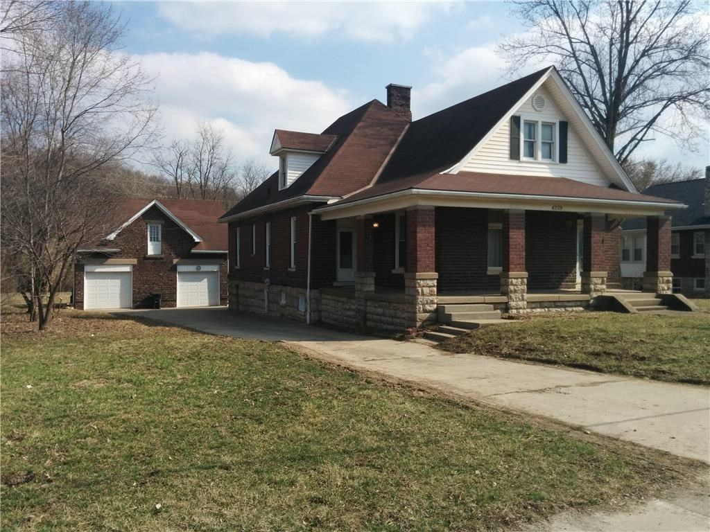 Special brick home located on large/private backyard 1.21 ac