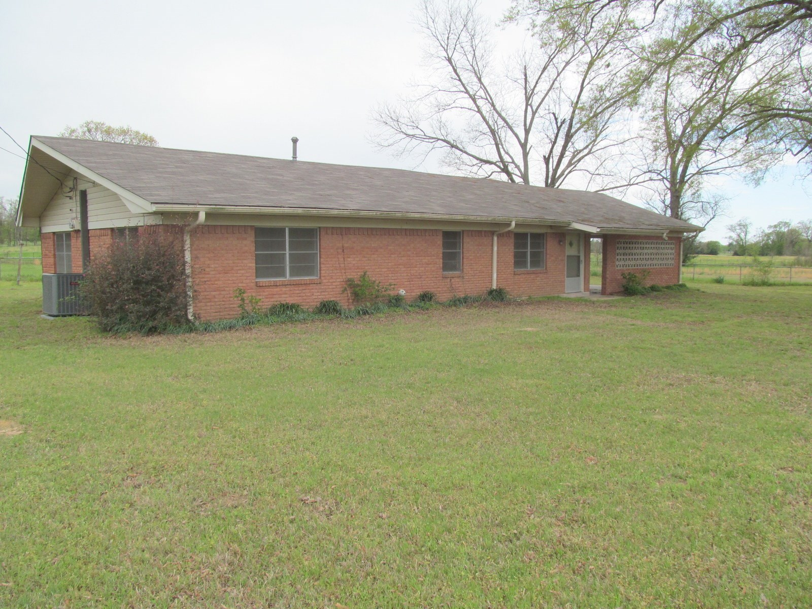 WINNSBORO TEXAS BRICK HOME FOR SALE - WOOD COUNTY TEXAS