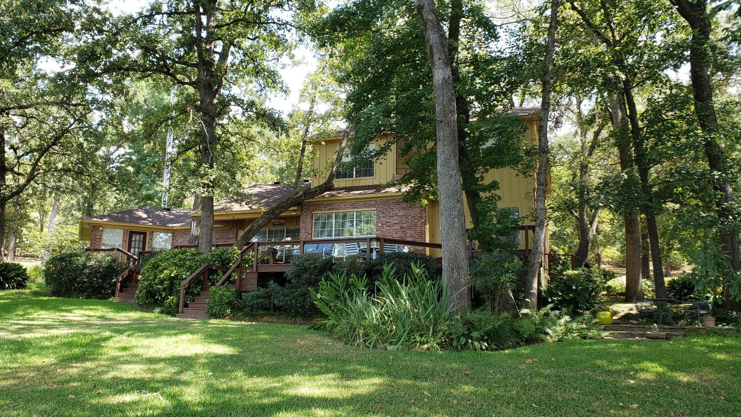 WATERFRONT HOME FOR SALE LAKE PALESTINE | VACATION LAKE HOME