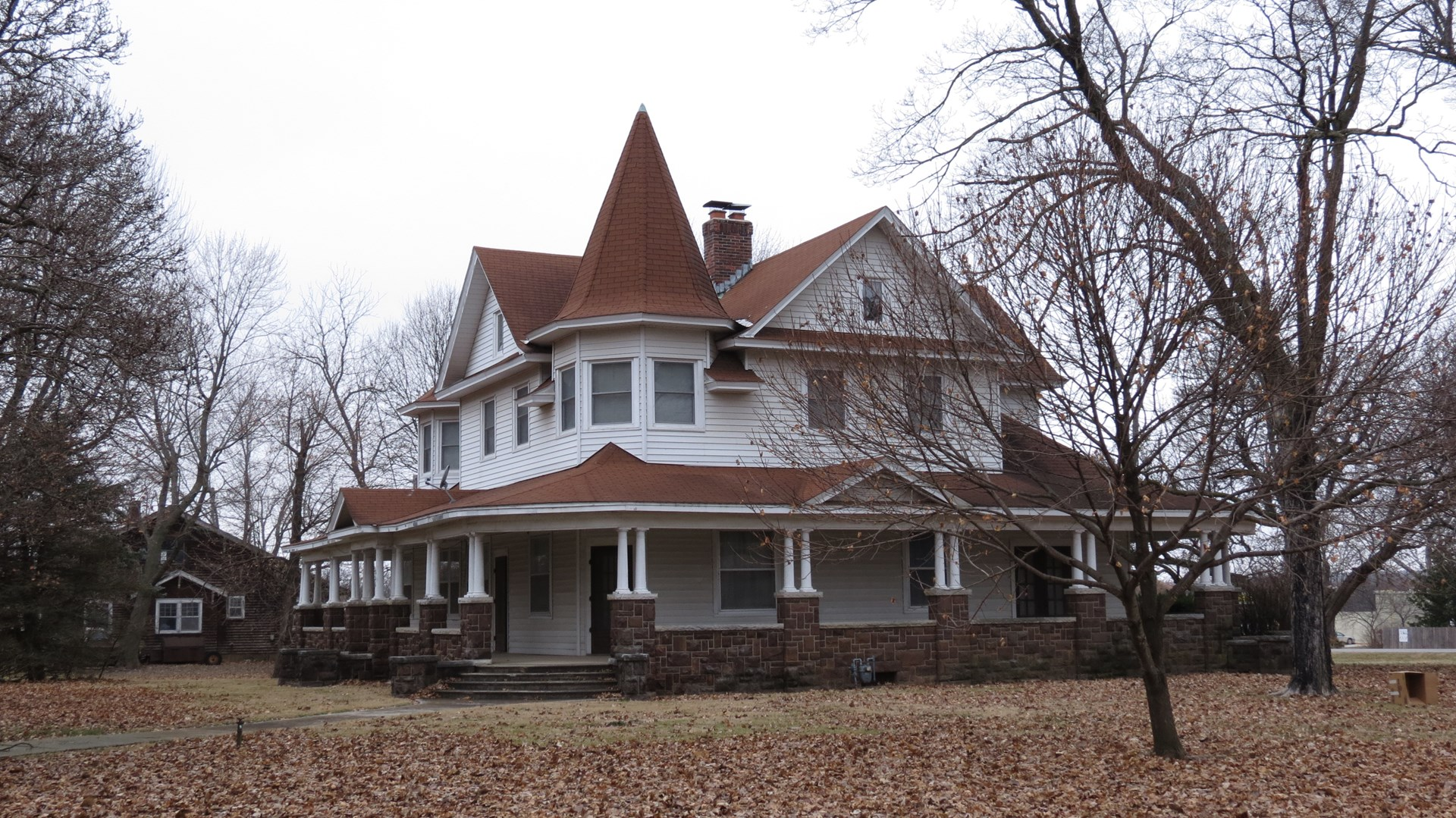 Victorian Home for Sale in Golden City, Mo.