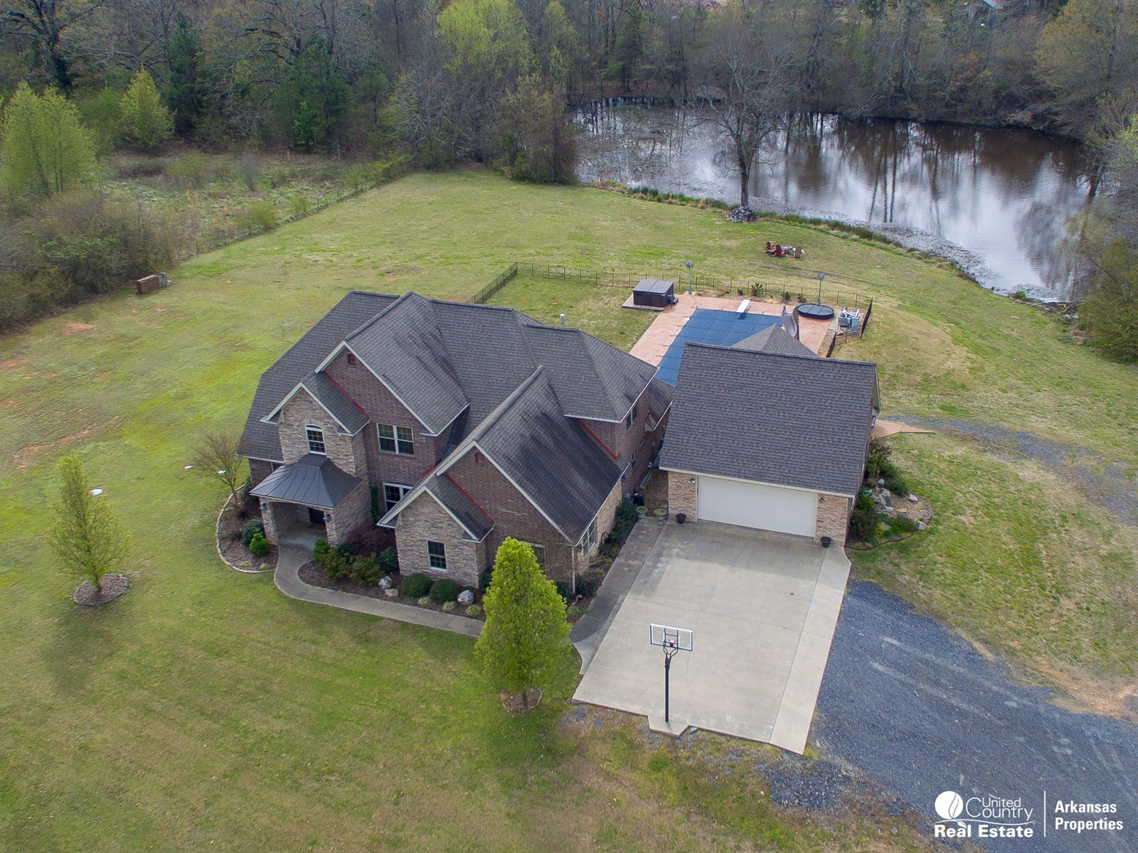 Gorgeous brick home steps from the city limits of Mena
