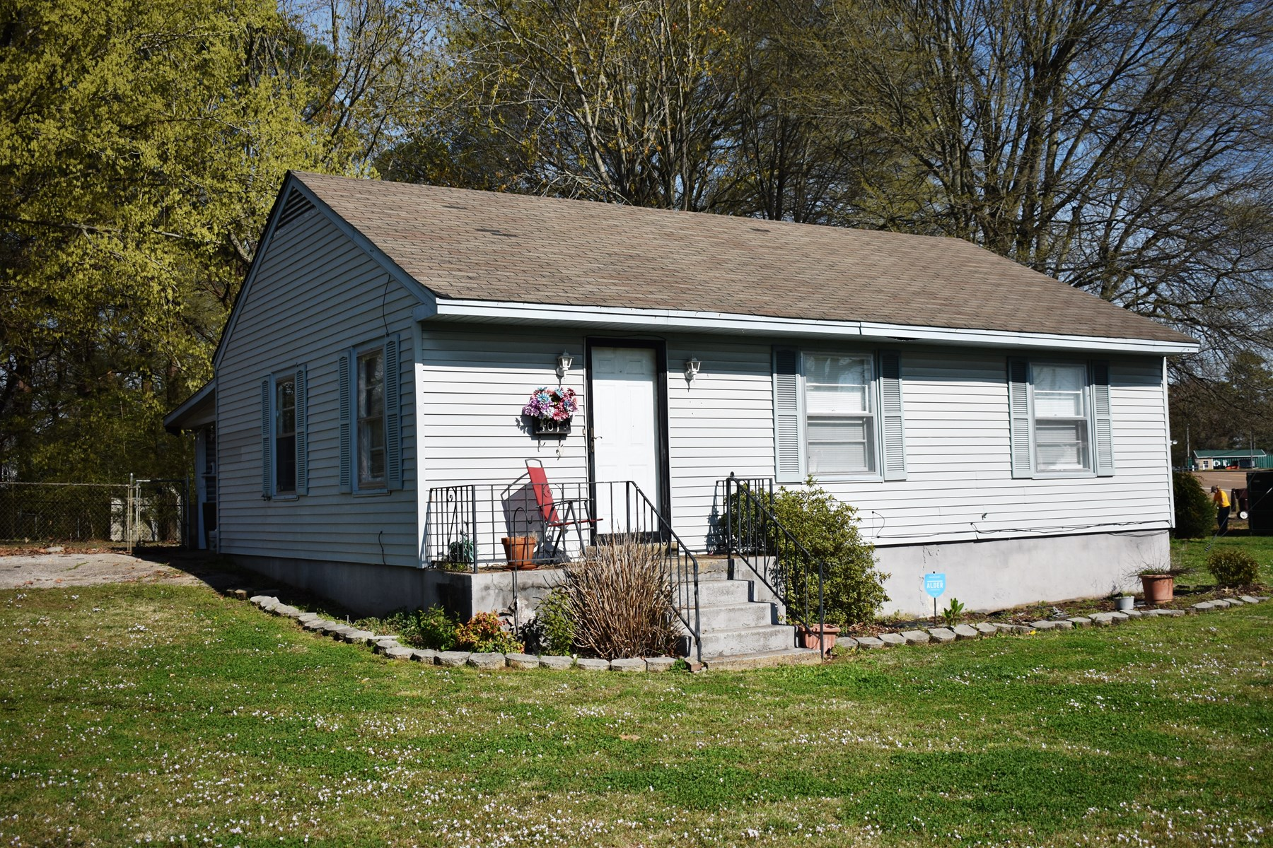 Smaller Home - Investment Property For Sale in Milan, TN