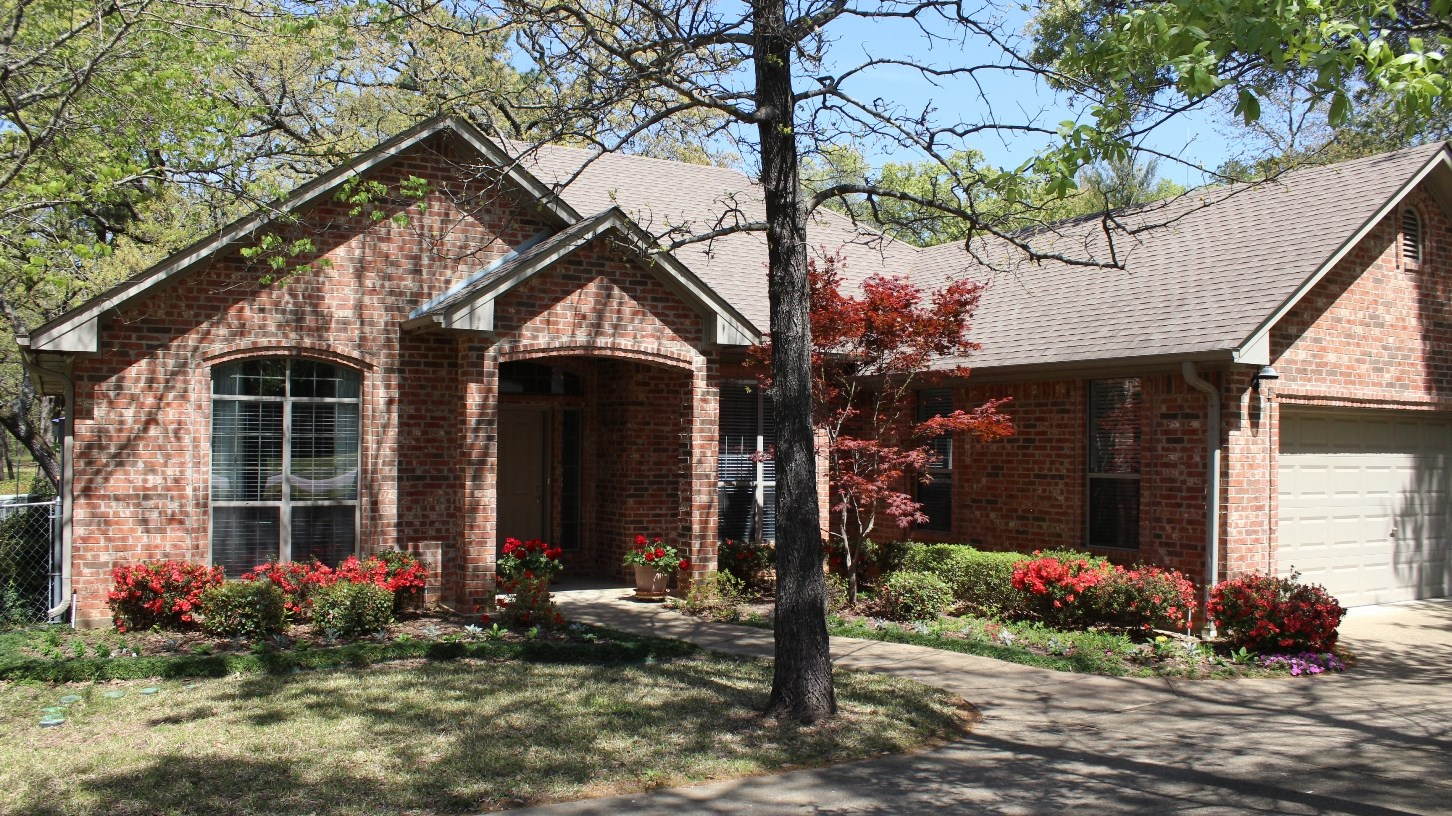 COUNTRY HOME CLOSE TO TOWN FOR SALE FLINT TX REAL ESTATE