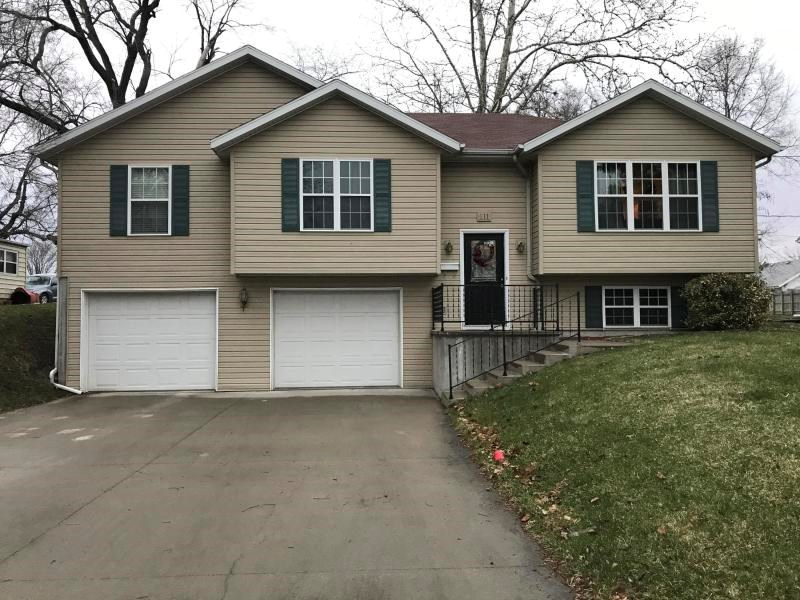 3 BEDROOM, 3 BATHROOM HOME FOR SALE IN MARYVILLE, MISSOURI