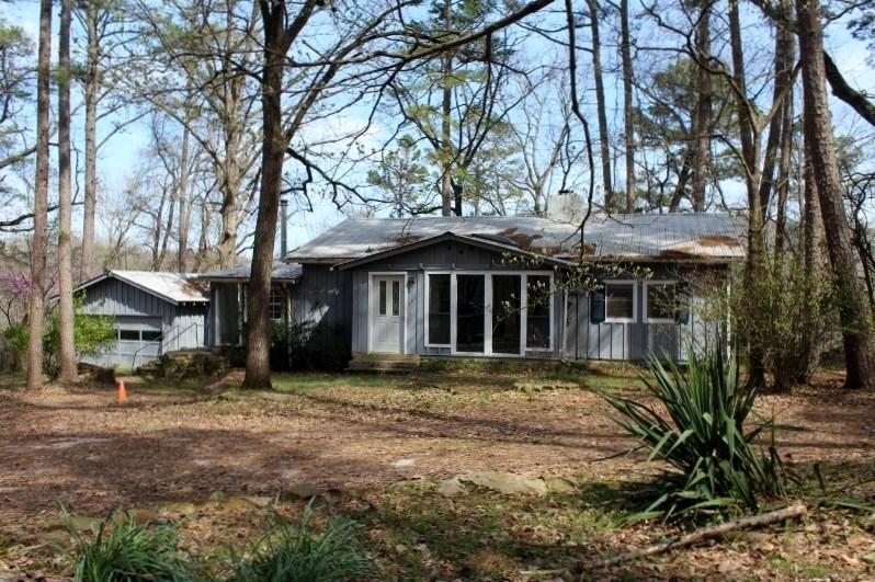 Country Home For Sale in Mountain View, Arkansas