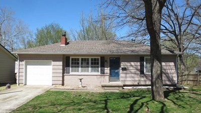 Sharp 2 Bedroom Home For Sale In El Dorado Springs, Mo