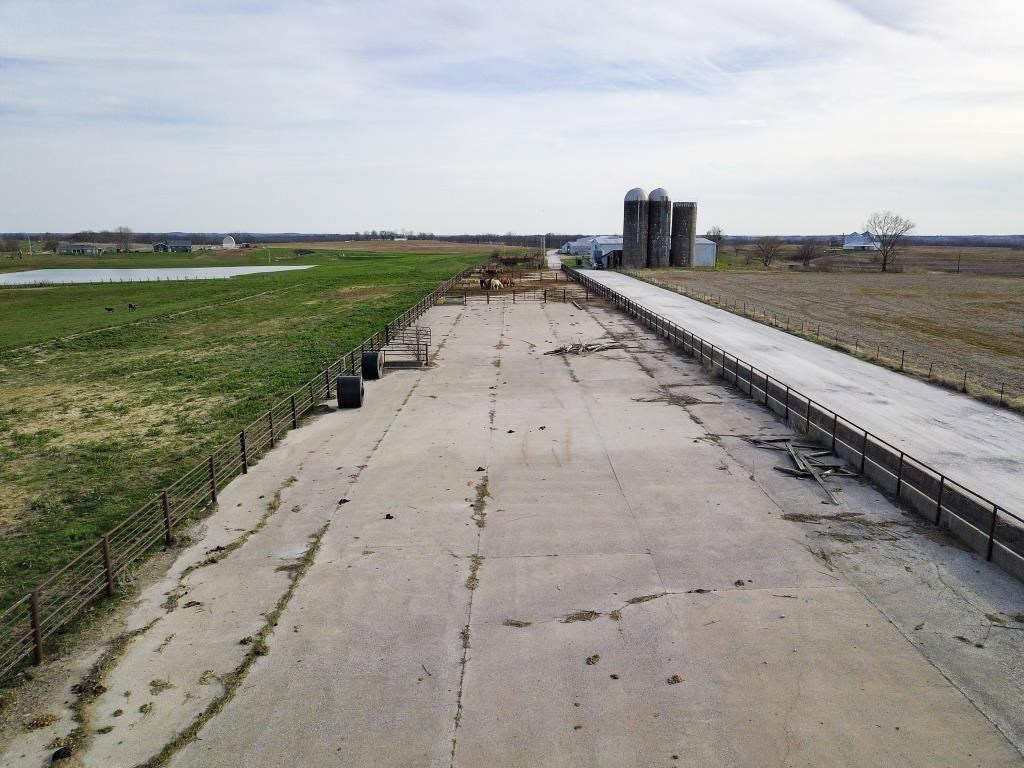 Feedlot on Acreage with Highway Frontage New Franklin, MO
