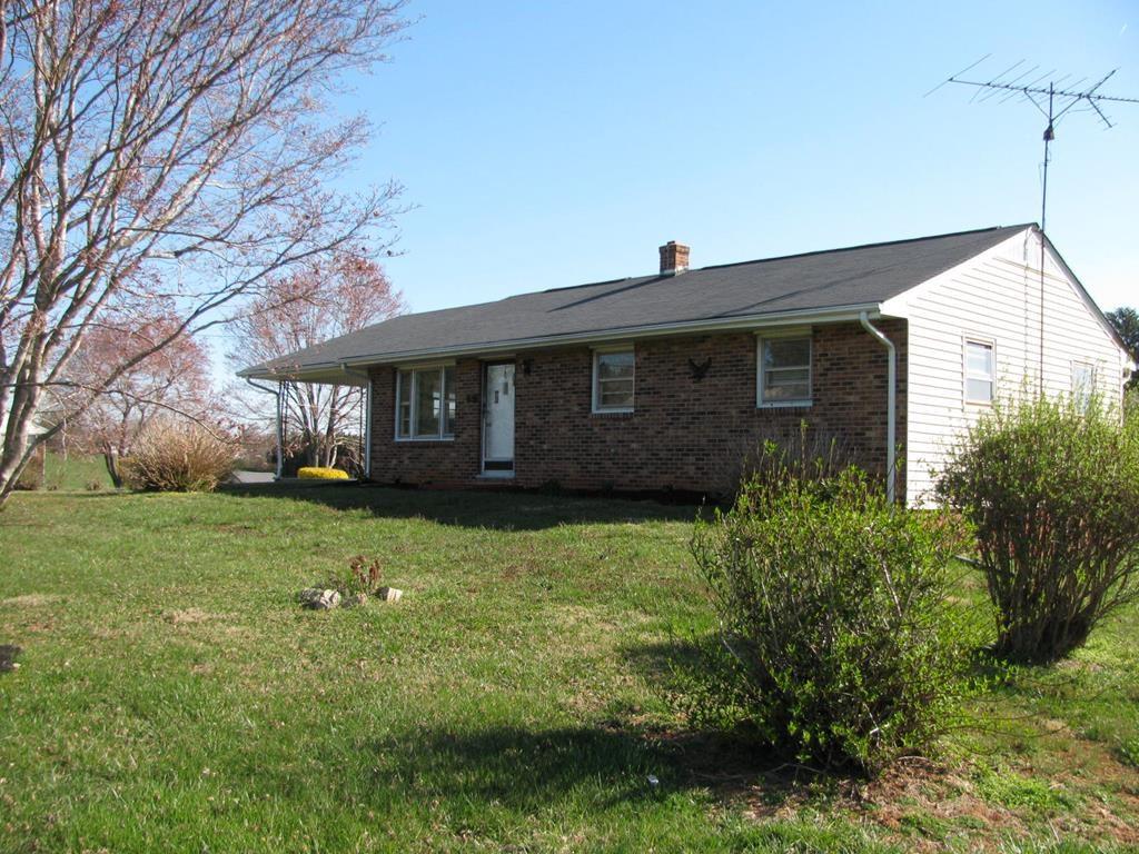 RANCH HOME- MOVE IN READY IN GRETNA, VA