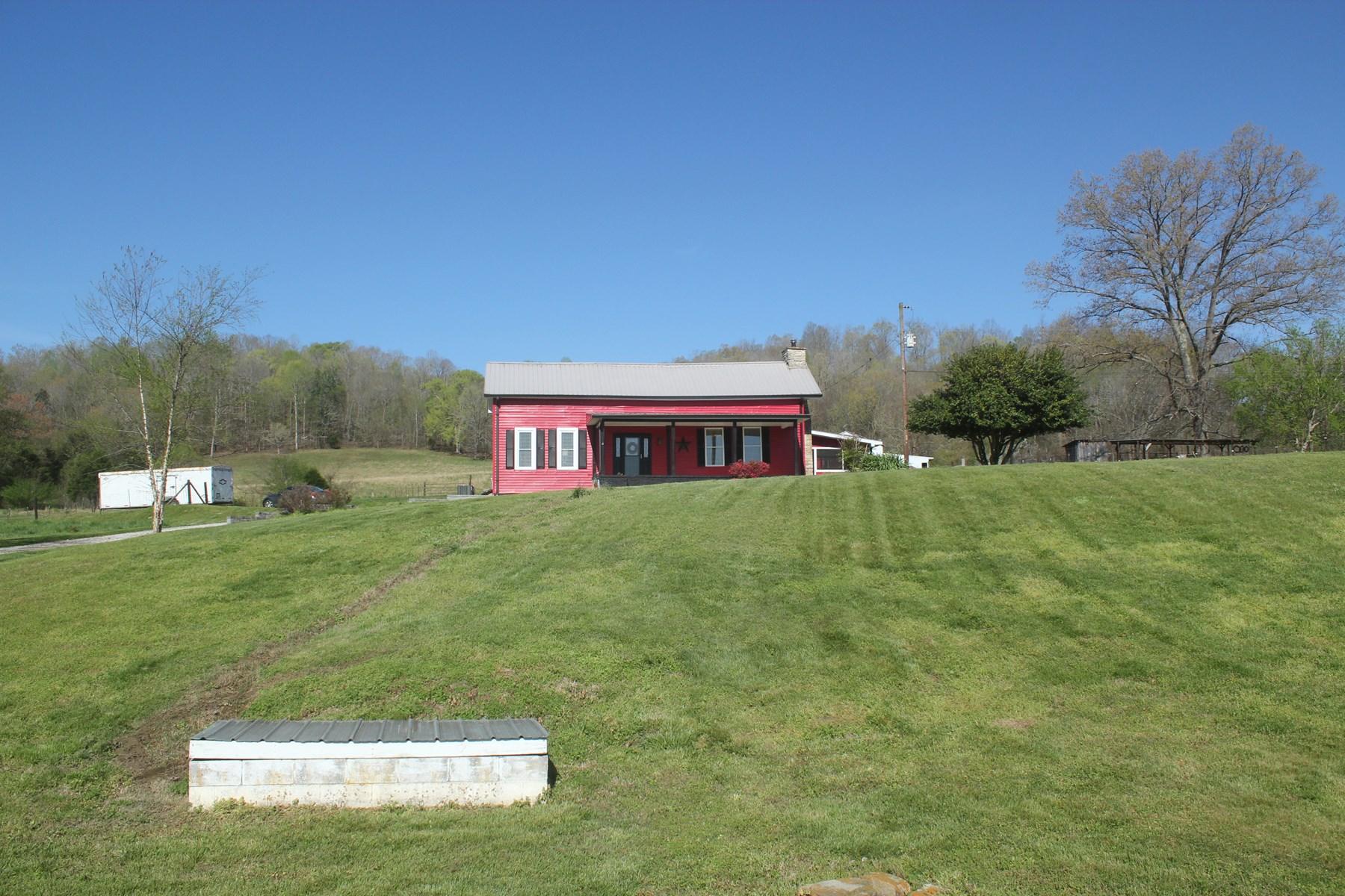 Farm renovated farm house acreage barn for sale TN