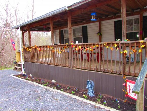 3 BR, 1 BA Doublewide on 9.43 Acres in Mooresburg, TN