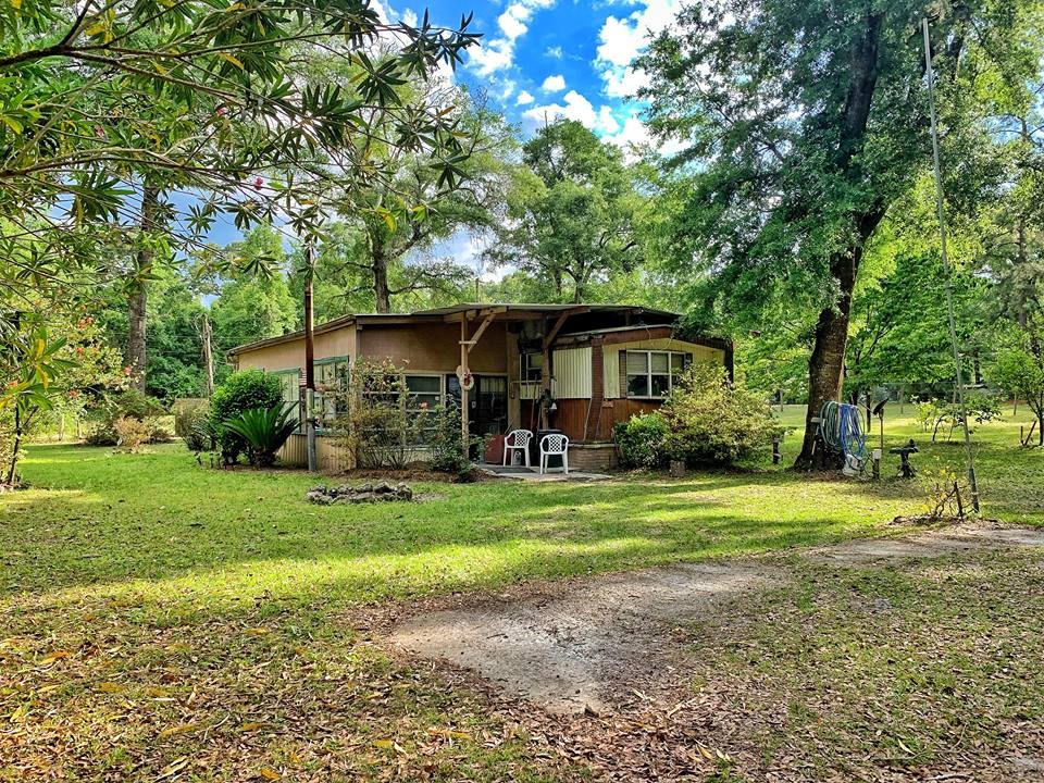 MOBILE HOME FOR SALE - OLD TOWN, DIXIE COUNTY, FLORIDA