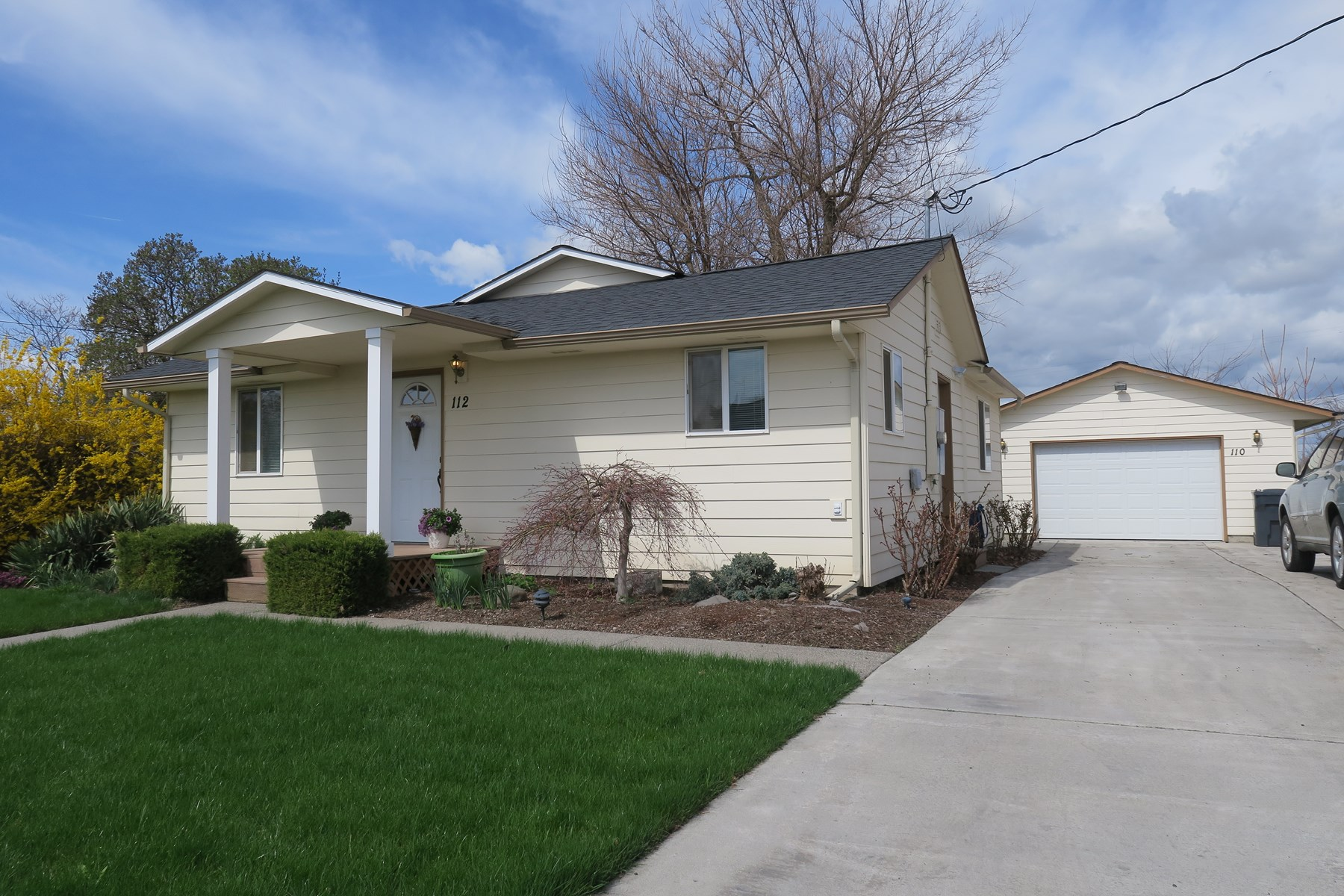 College Place WA Duplex For Sale Near Walla Walla University
