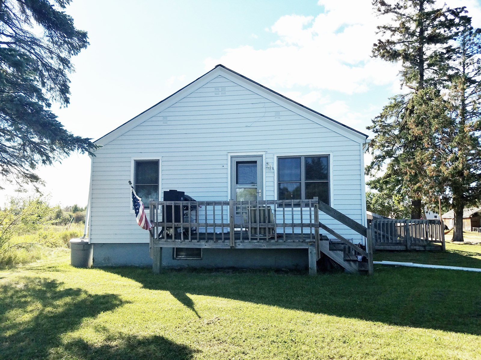 Country home for sale located in International Falls, MN