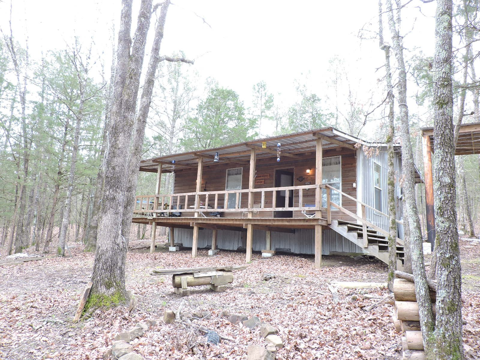 Calling All Hunter !!!!Hunting Cabin Complete with  3 Acres