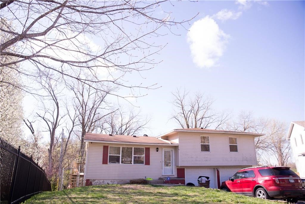 For Sale Large Home Located In A  Cul-De-Sac Atchison KS