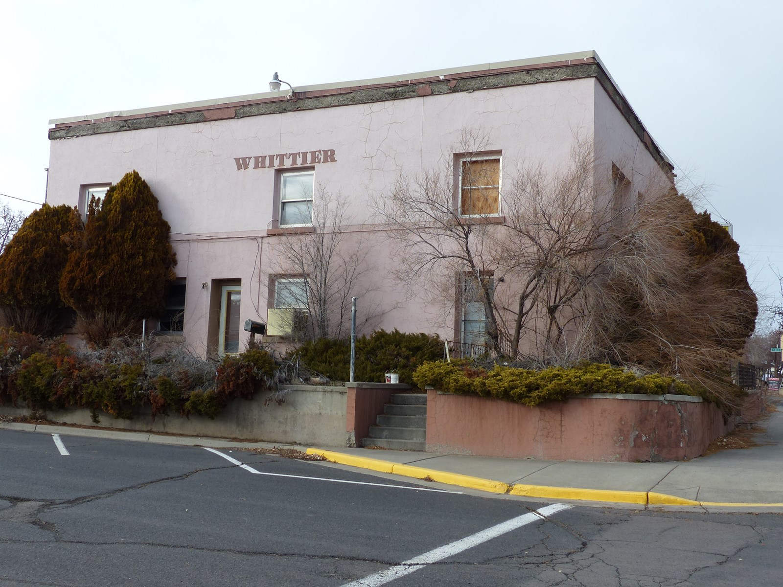 HISTORIC WHITTIER HOTEL FOR SALE IN DOWNTOWN BURNS OR