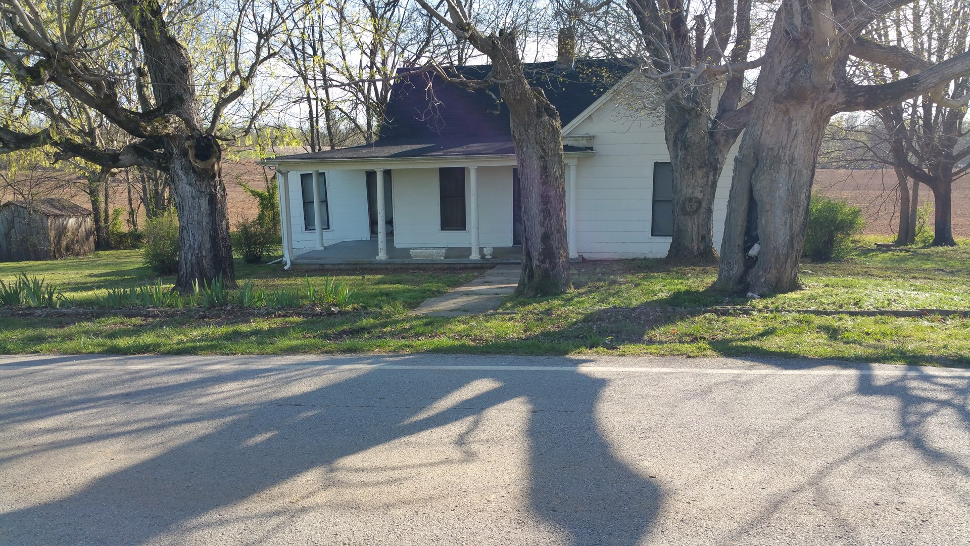 Good residential lot/older home for sale near Franklin Ky.