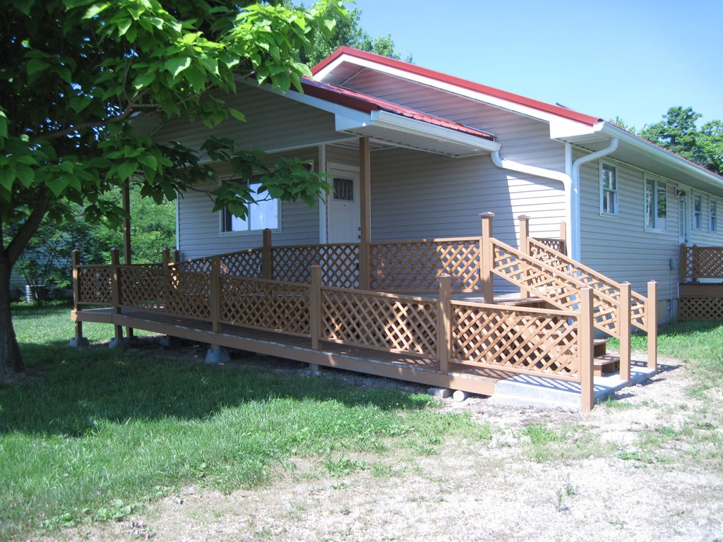 Move in ready home in Licking, Missouri!