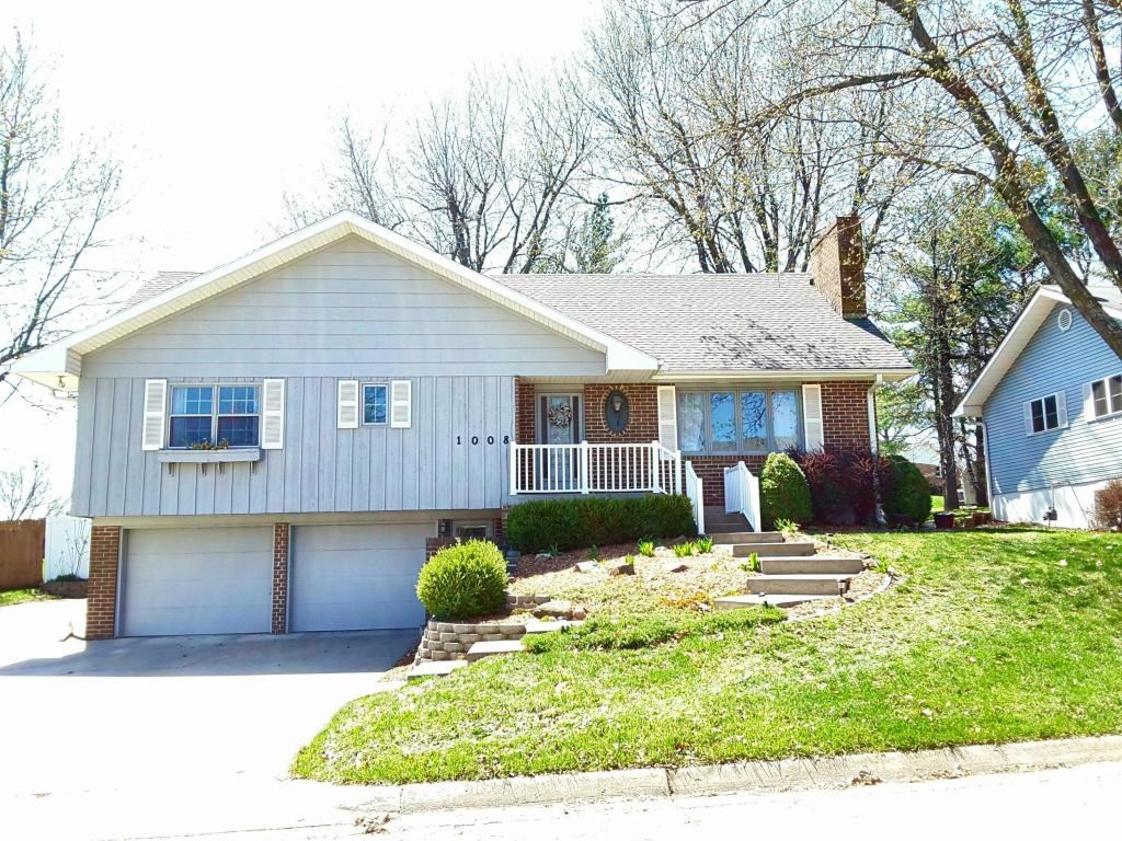 4 BEDROOM, 4 BATHROOM HOME IN MARYVILLE, MISSOURI