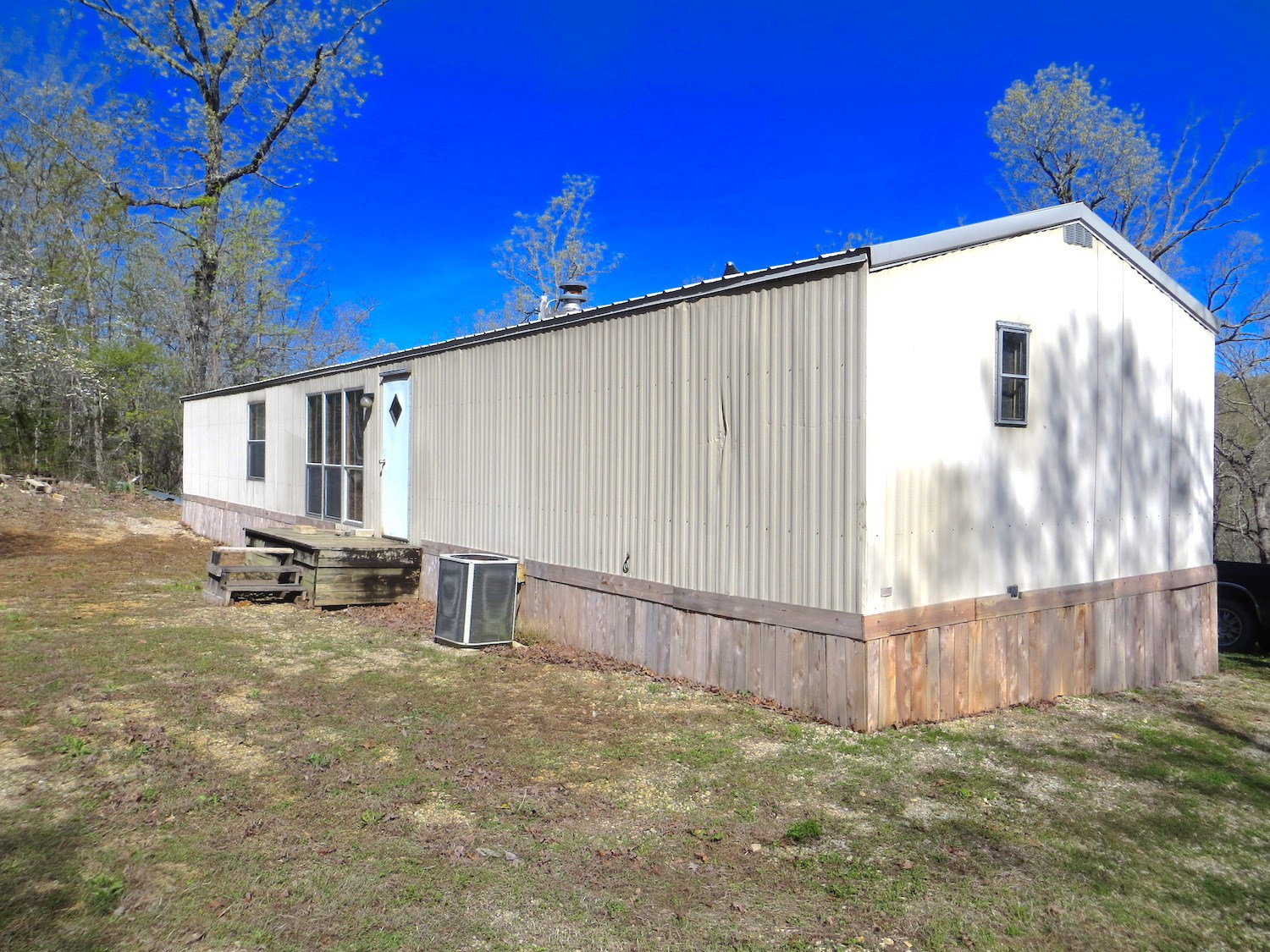 Country Home for Sale in Ozarks