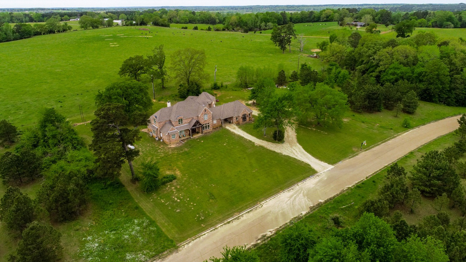 LARGE COUNTRY ESTATE - UPSHUR COUNTY - GILMER, TEXAS