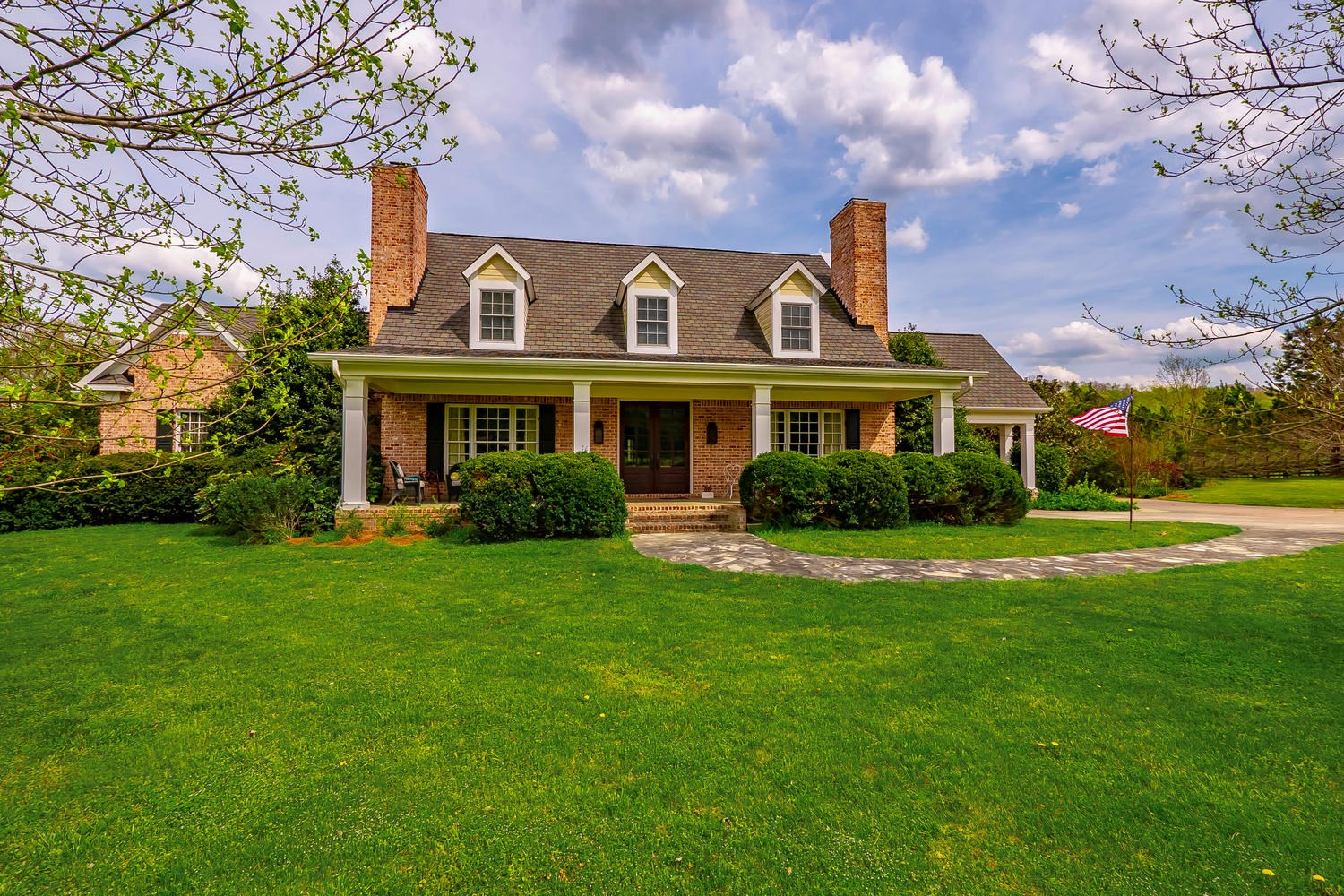 Country Home For Sale in Williamson Co!