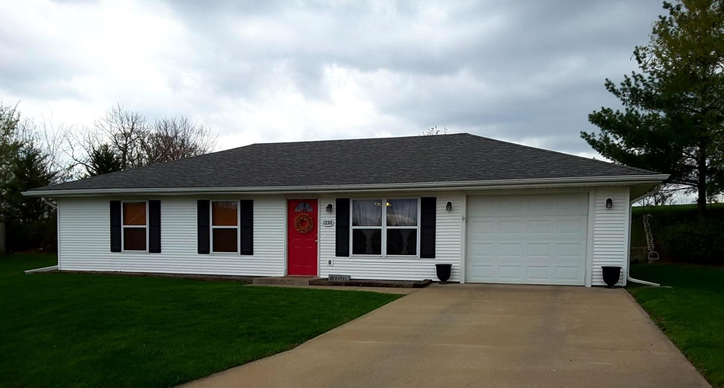 3 BEDROOM, 2 BATHROOM HOME IN MARYVILLE, MISSOURI